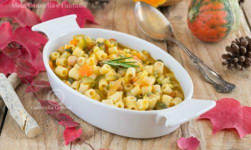 Minestra autunnale con zucca e cannellini – ricetta facile