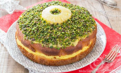Torta facile con crema all'ananas e granella di pistacchi