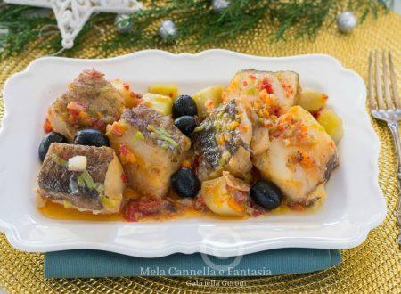 Baccalà in padella con olive e patate – ricetta facile