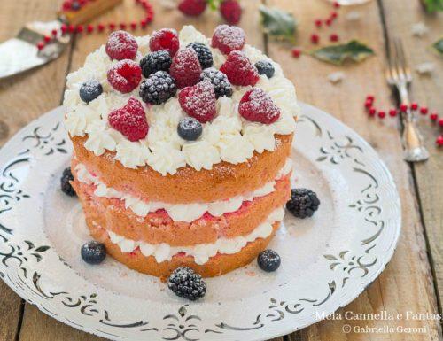 Chiffon cake al mascarpone e panna con frutti rossi