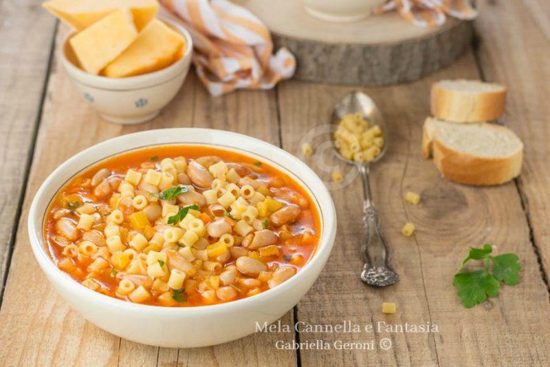 Minestra di zucca patate e fagioli – ricetta facile e veloce