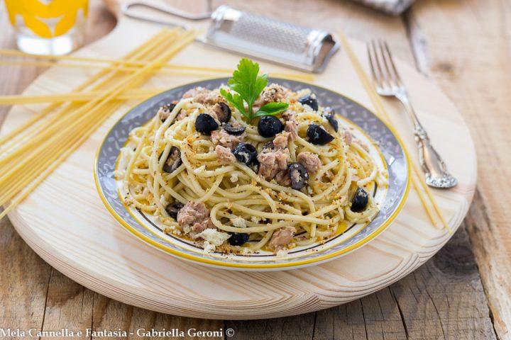 spaghetti al tonno e olive