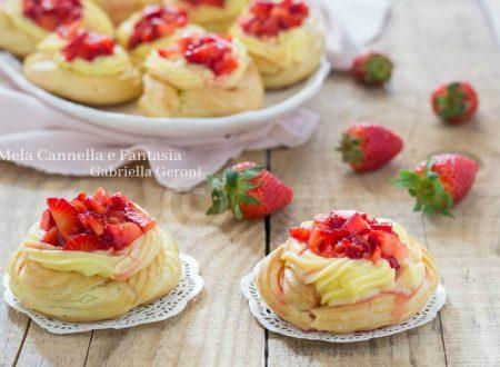 Zeppole con fragole e crema pasticcera al limone (al forno)