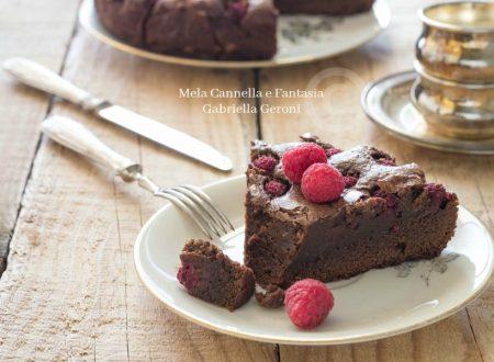 Brownie cake ai lamponi facile veloce e golosissima!