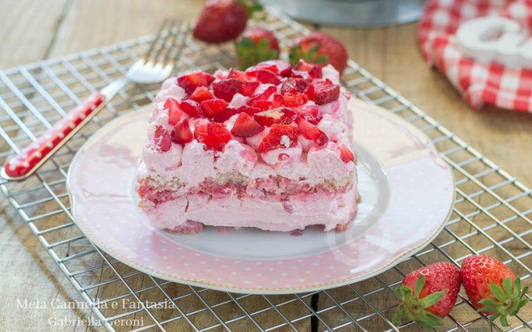 Tiramisù rosa con fragole panna e mascarpone (senza uova)