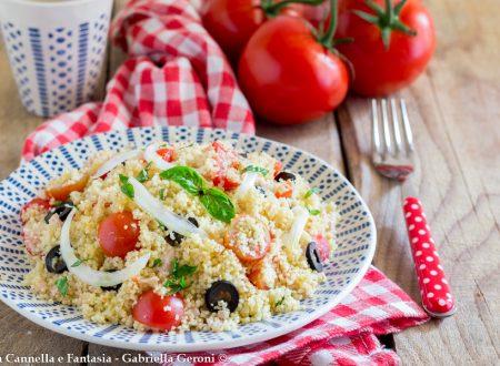Cous cous con tonno cipolla e pomodorini facile e veloce