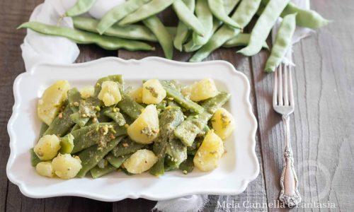Fagiolini e patate con pesto alla Genovese e pistacchi