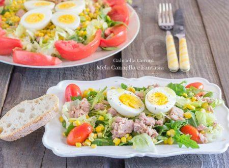 Insalata capricciosa con tonno uova sode e pomodoro... gustosissima!