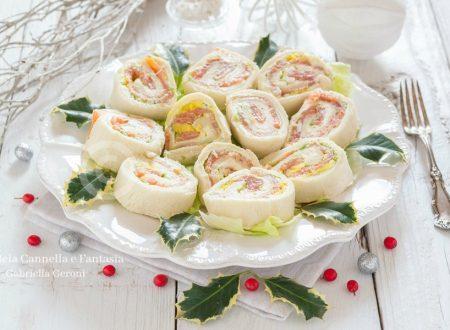 Girelle di pancarré farcite con robiola salmone e uovo sodo