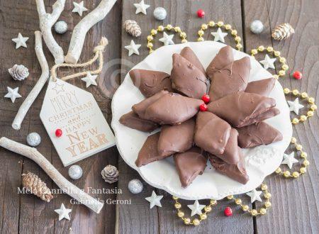 Ricetta mustaccioli napoletani dolce natalizio senza uova