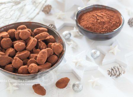 Frutta secca al cioccolato fondente ricetta super veloce