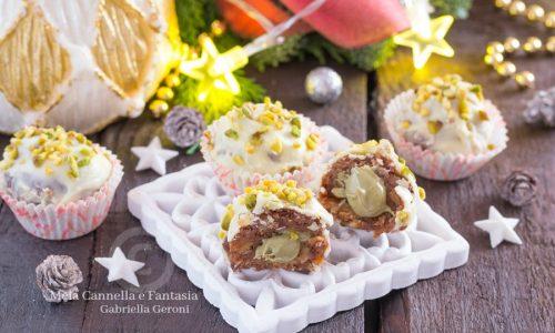 Tartufini di pandoro con crema al pistacchio pronti in 10 minuti!