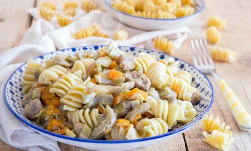 Pasta con carciofi zucca e salsiccia ricetta facile e gustosa