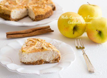 Cheesecake mele e cannella con scaglie di mandorle