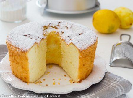 Chiffon cake classica, altissima e soffice come una nuvola