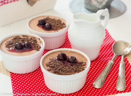 Panna cotta cioccolato e amarena dessert facile e veloce
