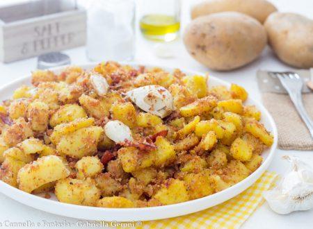Patate sabbiose speck e rosmarino in padella o al forno