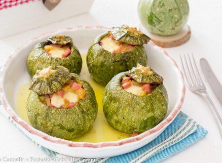Zucchine tonde farcite con provola e prosciutto gratinate al forno