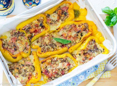 Peperoni ripieni con funghi prosciutto e mozzarella