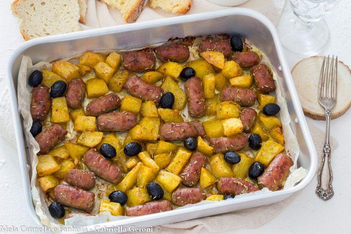 salsicce patate al forno