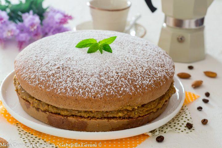 torta al cacao con crema