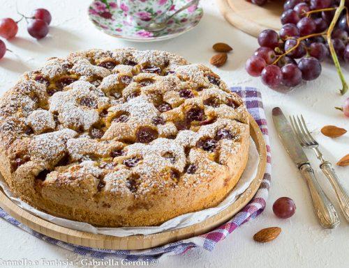 Torta di uva e mandorle senza lattosio morbidissima
