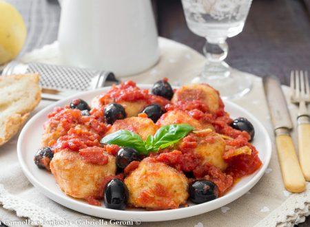 Polpette di ricotta al sugo e olive ricetta facile e veloce
