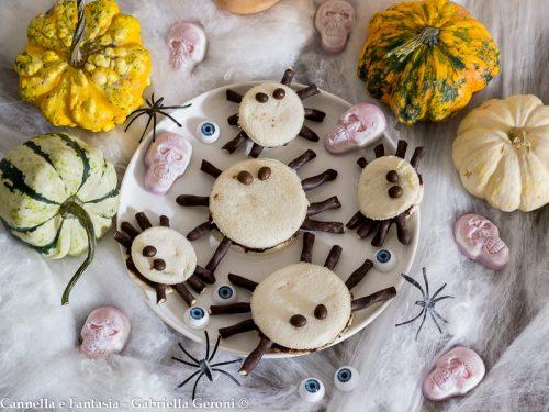 Ragnetti di tramezzino con Nutella per Halloween in 10 minuti
