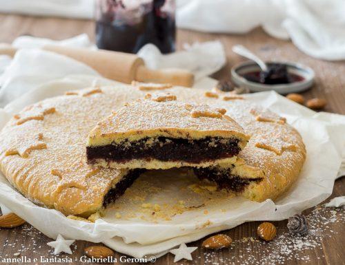 Crostata bocconotto con mandorle e cioccolato con frolla senza burro
