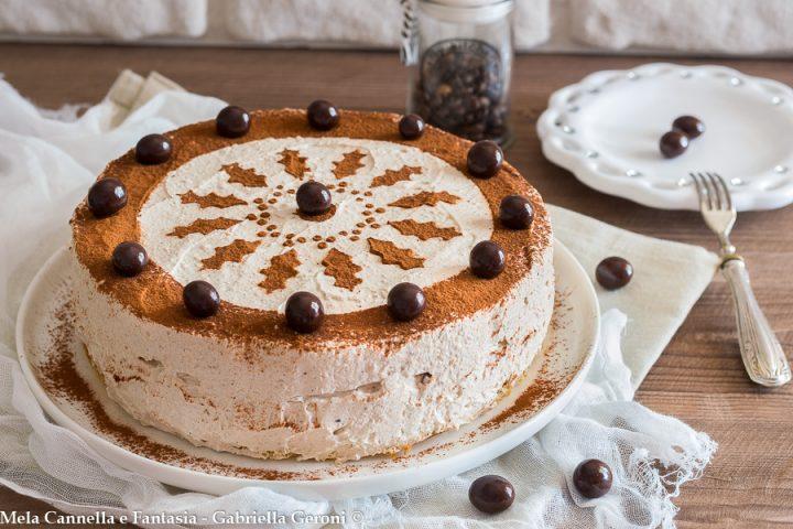 torta fredda panna e caffè