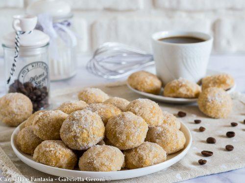 Castagnole al caffè al forno morbide e golosissime