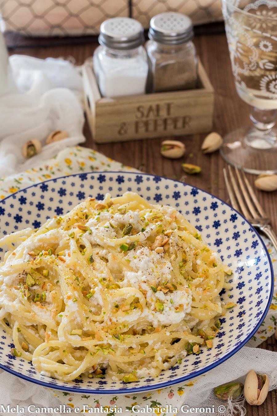 Spaghetti con crema di ricotta