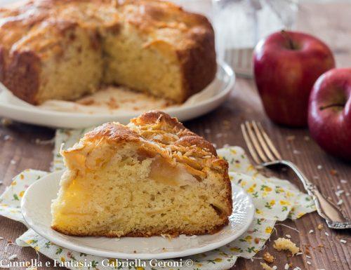 Torta di mele e yogurt al cocco morbida e senza burro