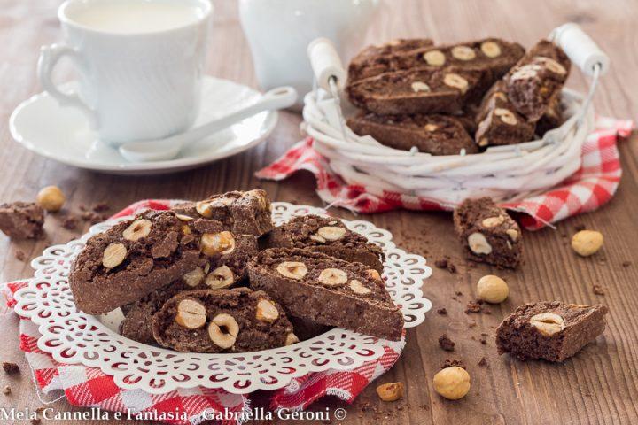 cantucci al cacao e nocciole