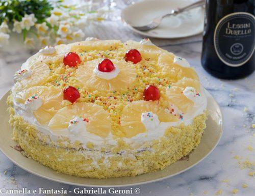 Torta all'ananas con crema pasticcera