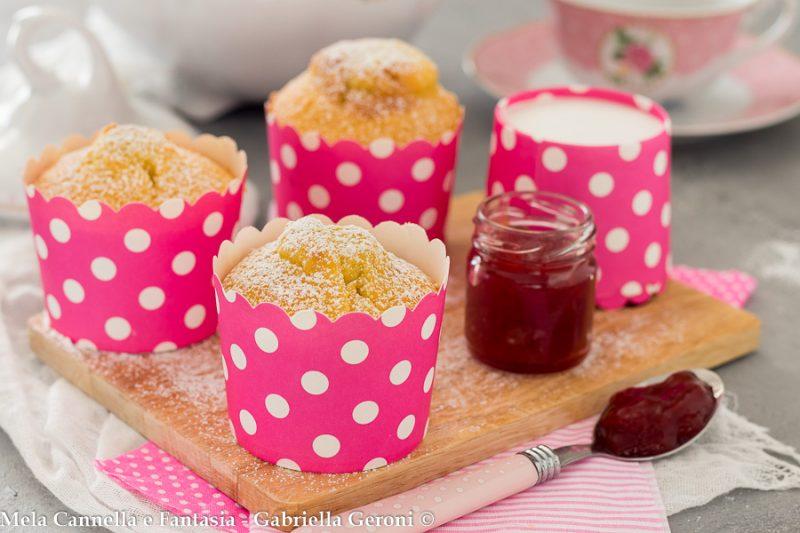 Muffin con marmellata morbidi senza burro né latte