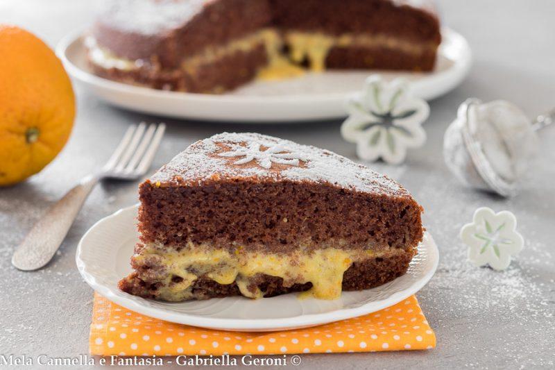 Torta al cacao con crema all'arancia sofficissima e deliziosa