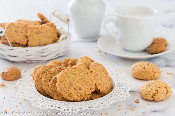 biscotti agli amaretti