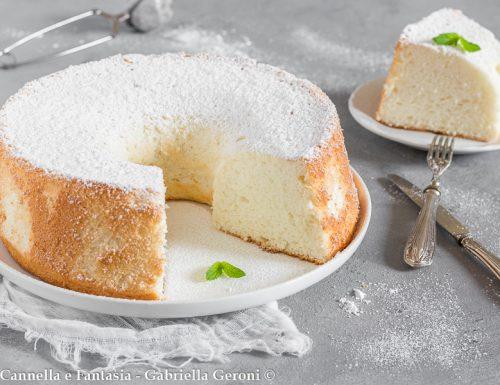 Angel cake alla vaniglia soffice come una nuvola
