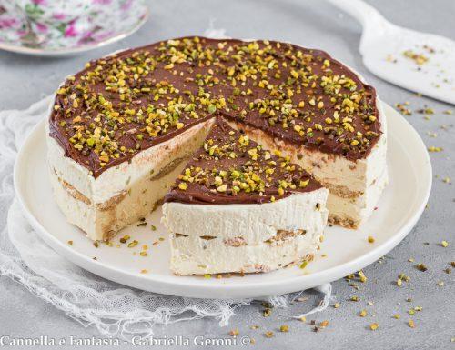 Torta semifreddo al pistacchio e Nutella senza cottura