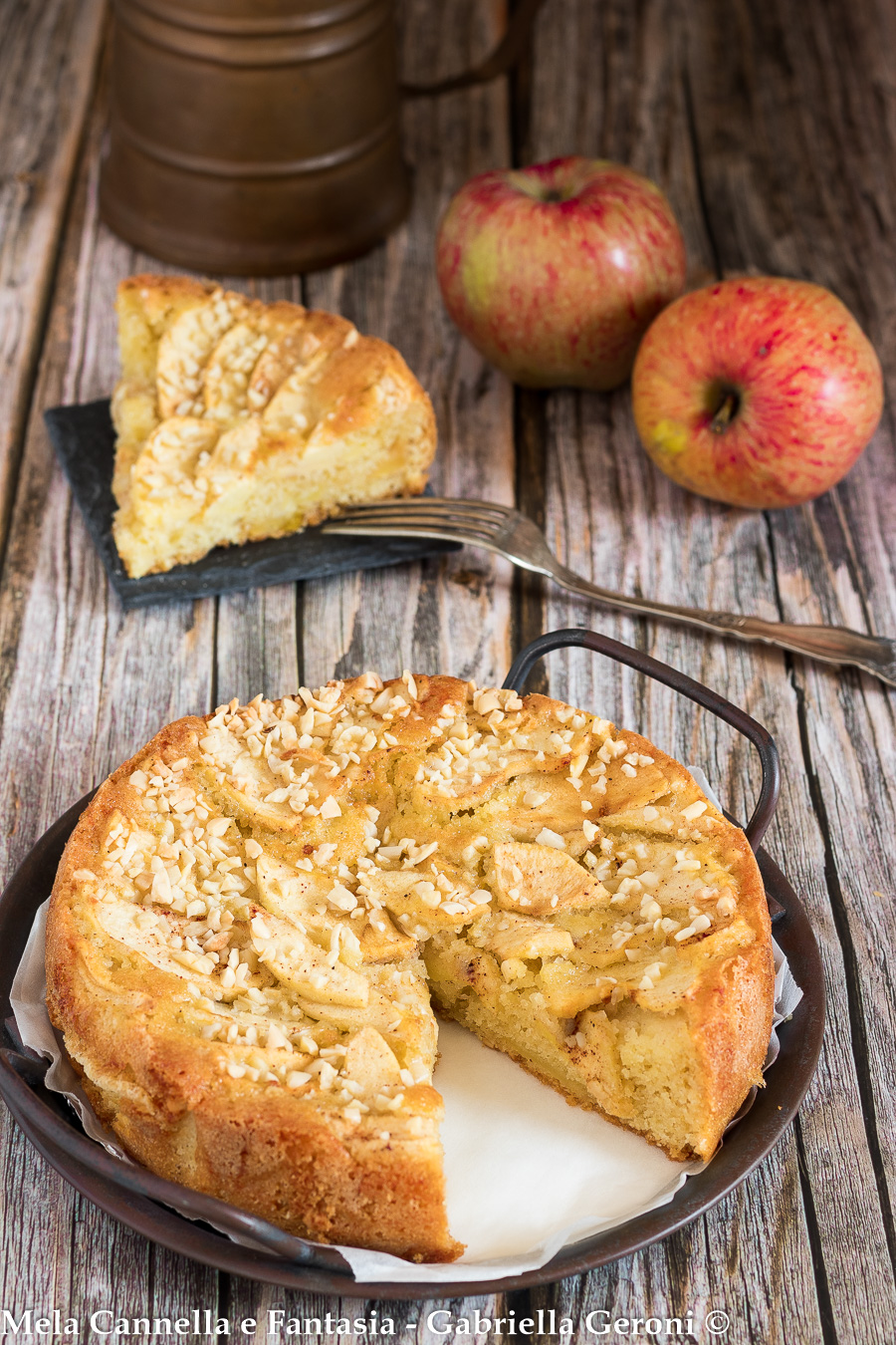 torta di mele con mandorle