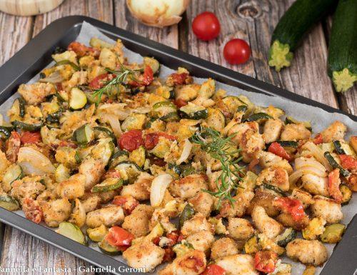Bocconcini di pollo sabbiosi con verdure gratinate