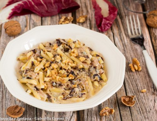 Pasta gorgonzola radicchio e noci senza panna ricetta veloce
