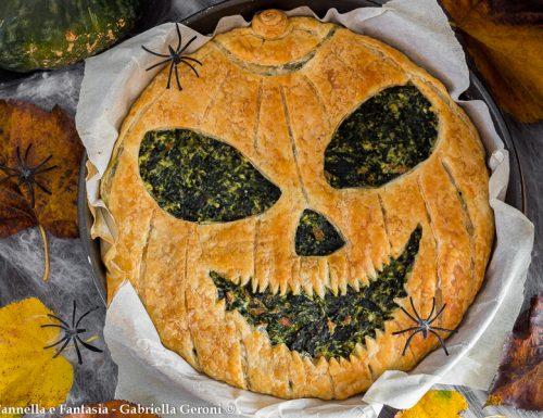 Torta salata di halloween con ricotta spinaci e mortadella