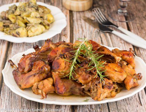 Coniglio al forno con patate e funghi porcini ricetta facile
