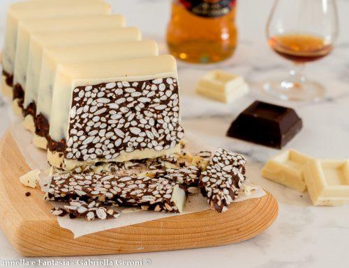 Torrone al cioccolato con riso soffiato morbido e golosissimo