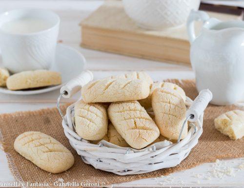 Biscotti senza glutine e senza lattosio per la colazione