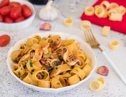 Calamarata napoletana primo piatto facile e veloce