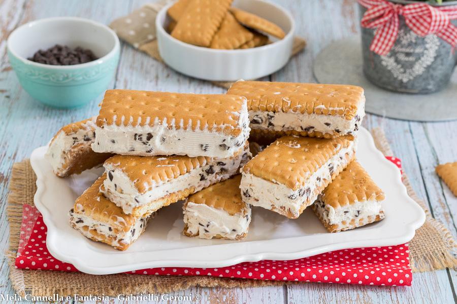 biscotto gelato alla stracciatella