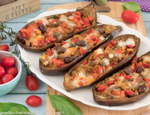 Melanzane ripiene senza carne, con olive capperi e mozzarella